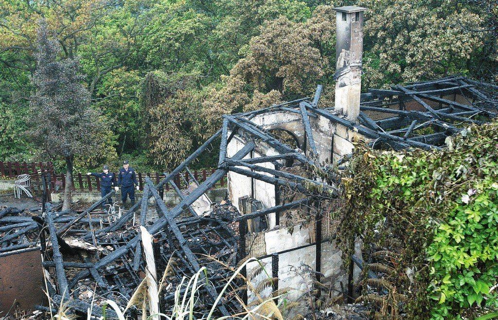 2007年4月,台北市陽明山上的草山行館發生大火,建物幾乎付之一炬。 圖/聯合報...