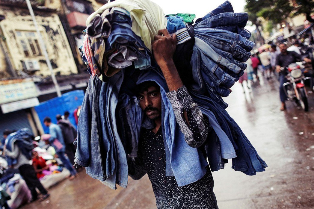 目前全世界「二手衣進口需求量」最大的幾個國家,分別是巴基斯坦(21.77%)、馬...