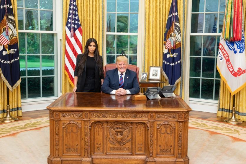 美國知名女星金卡戴珊31日與川普會面,要求赦免美國知名受刑人嬌森。(photo ...