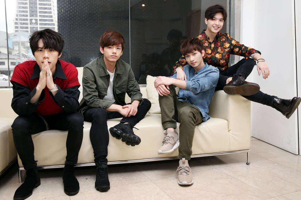 伊林娛樂和日本索尼音樂力推的日系搖滾樂團noovy,由平均年齡20歲的主唱Sha