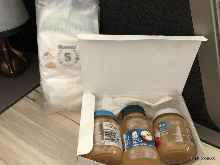 訂購嬰兒票,有特別準備尿布(兩片)跟副食品 圖文來自於:TripPlus