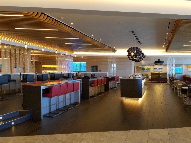 位於貴賓室中央的廣大用餐區 圖文來自於:TripPlus