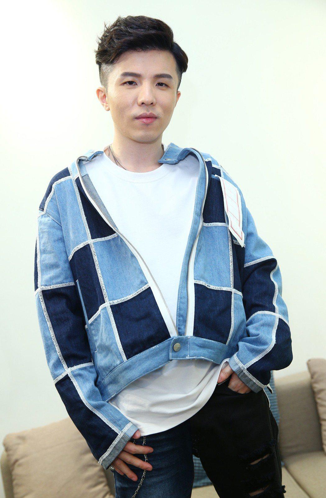 小宇沉潛5年,再度以「同在」入圍今年金曲獎最佳男歌手獎。記者曾學仁/攝影
