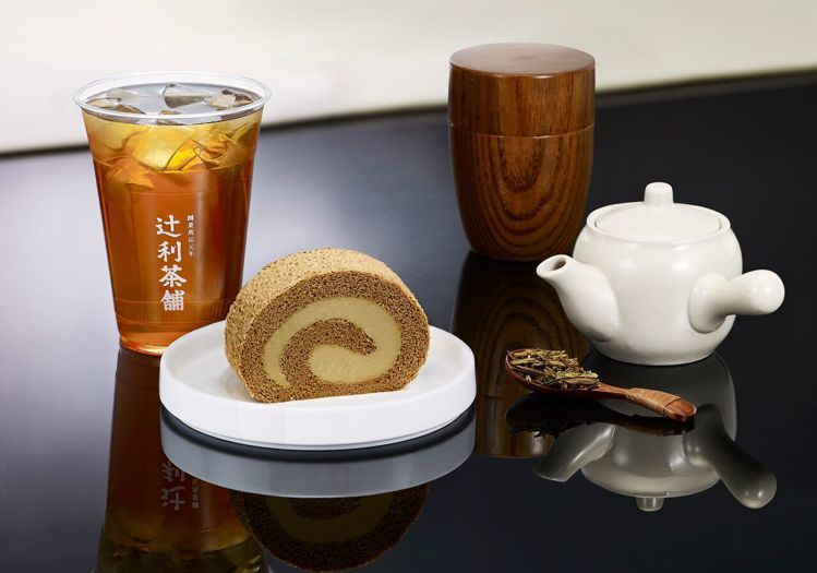 宇治焙茶卷切片150元,焙茶卷每條680元。圖/TSUJIRI辻利茶舗提供