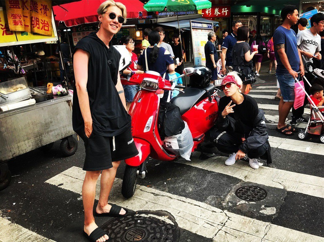嘻哈偶像男團BOi!騎機車環島。圖/伊林娛樂提供