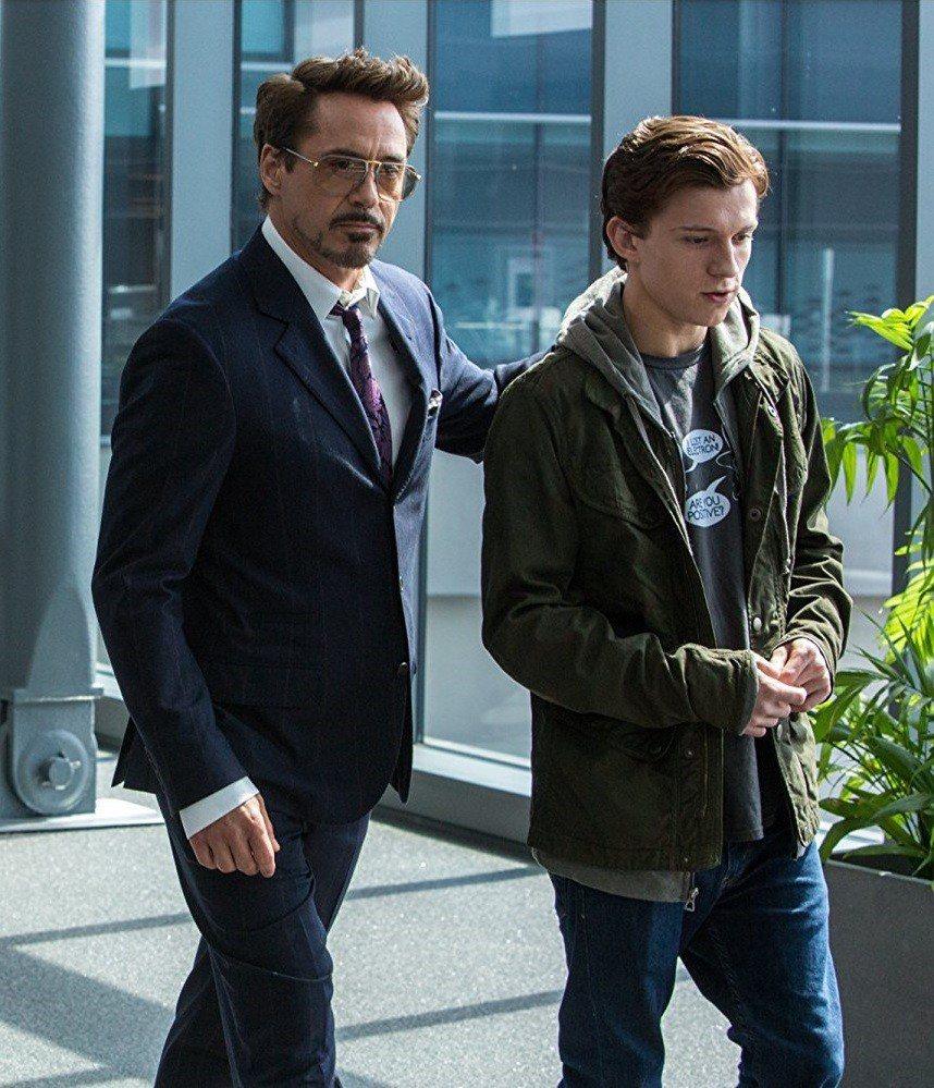 鋼鐵人東尼史塔克與蜘蛛人彼得的關係被曝將有悲傷的結局。圖/摘自imdb