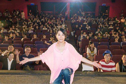 劉若英升格導演處女作「後來的我們」在大陸熱賣13.5億人民幣(約合台幣63億),由於未抽到今年的陸片上映配額,無法順利登上大銀幕。Netflix宣布6月22日將在全球190個國家或地區同步上架「後來...