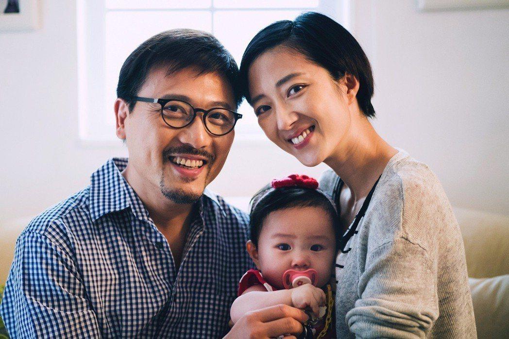 桂綸鎂在「東方華爾街」再扮人母,有個女兒。圖/FOX提供