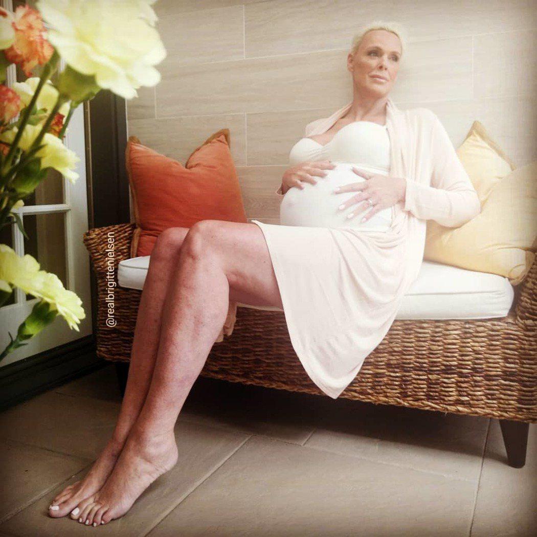 布莉姬尼爾森是歐美娛樂圈最新的高齡孕婦。圖/摘自Instagram