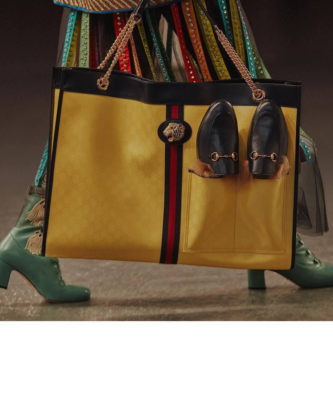 GUCCI早春有托特包以及後背包款都有置放鞋履的新設計。圖/取自品牌IG
