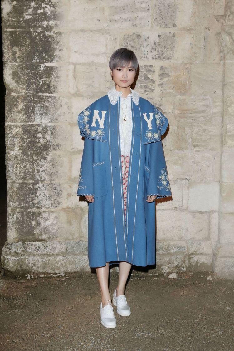 李宇春以2018秋冬服裝出席早春大秀。圖/GUCCI提供