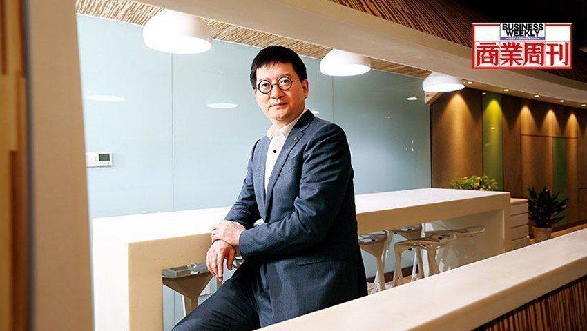 20年前杭州起家的銀泰,現是中國前5大百貨集團,來自金融業的執行長陳曉東正是關鍵...