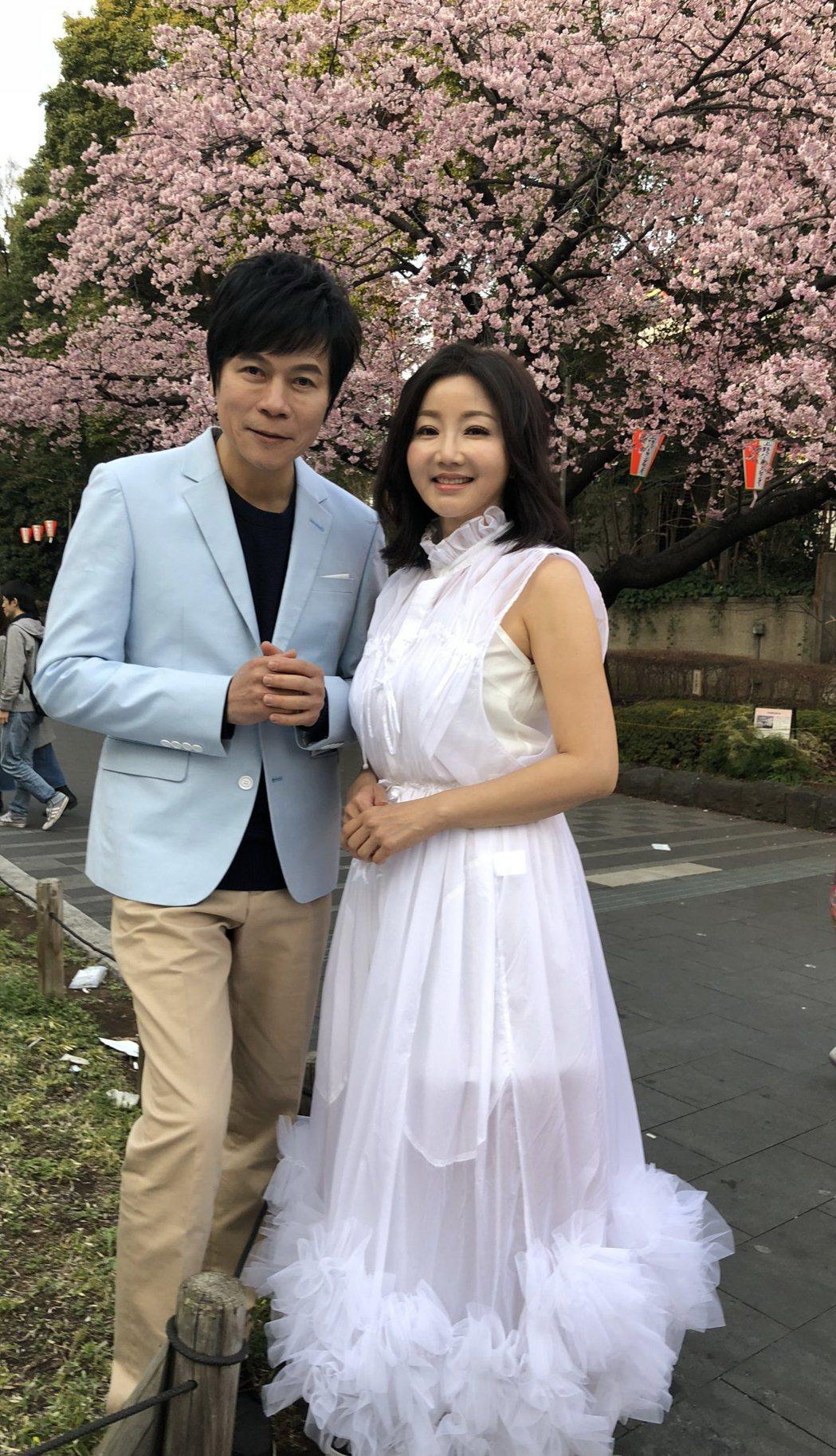 洪榮宏帶老婆張瀞云到日本工作順道補度蜜月。圖/華特音樂提供