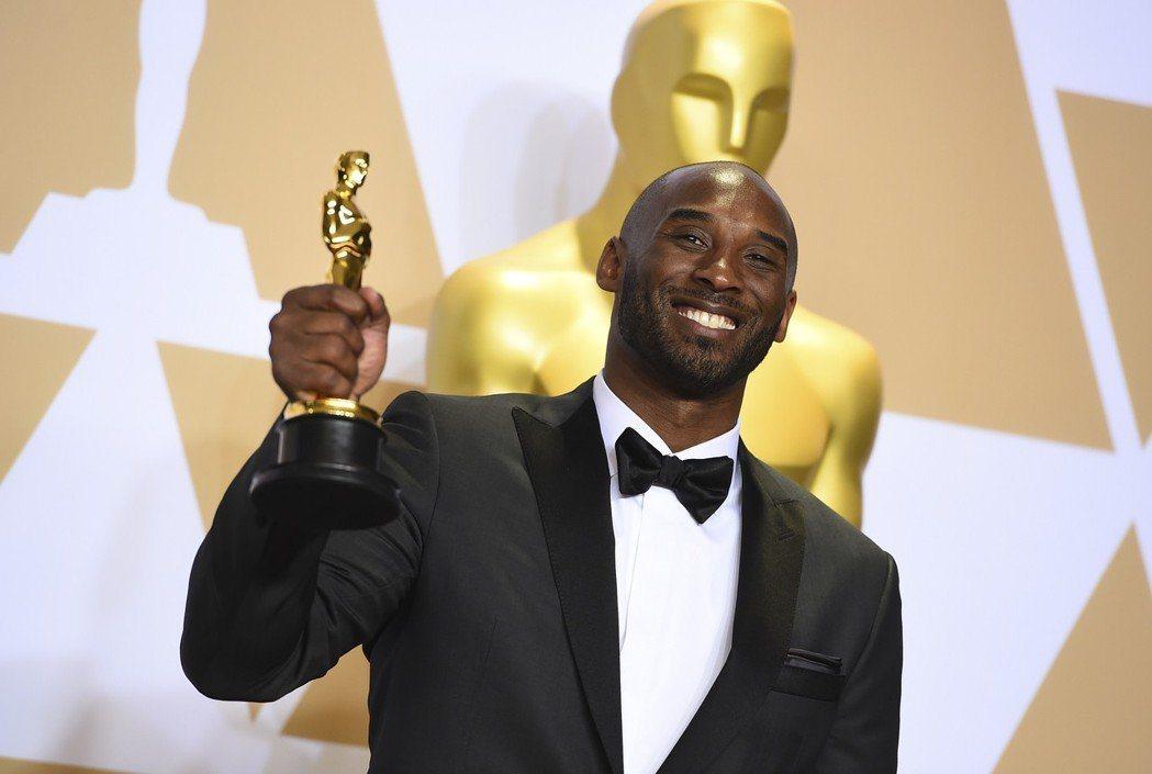 「小飛俠」科比布萊恩今年以「親愛的籃球」拿下奧斯卡獎最佳動畫短片獎。(美聯社)