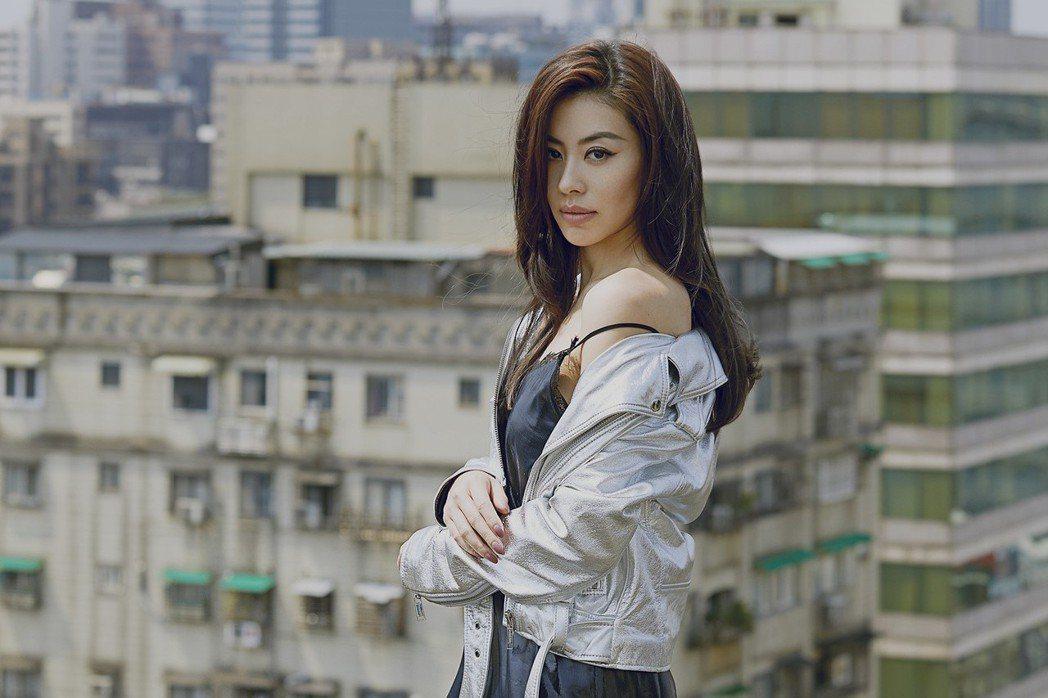 蔡詩芸新歌MV找老公王陽明一起演出。圖/瑩音樂提供