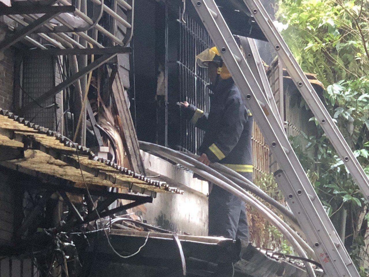 警消人員目前仍在釐清起火原因中。記者李承穎/攝影