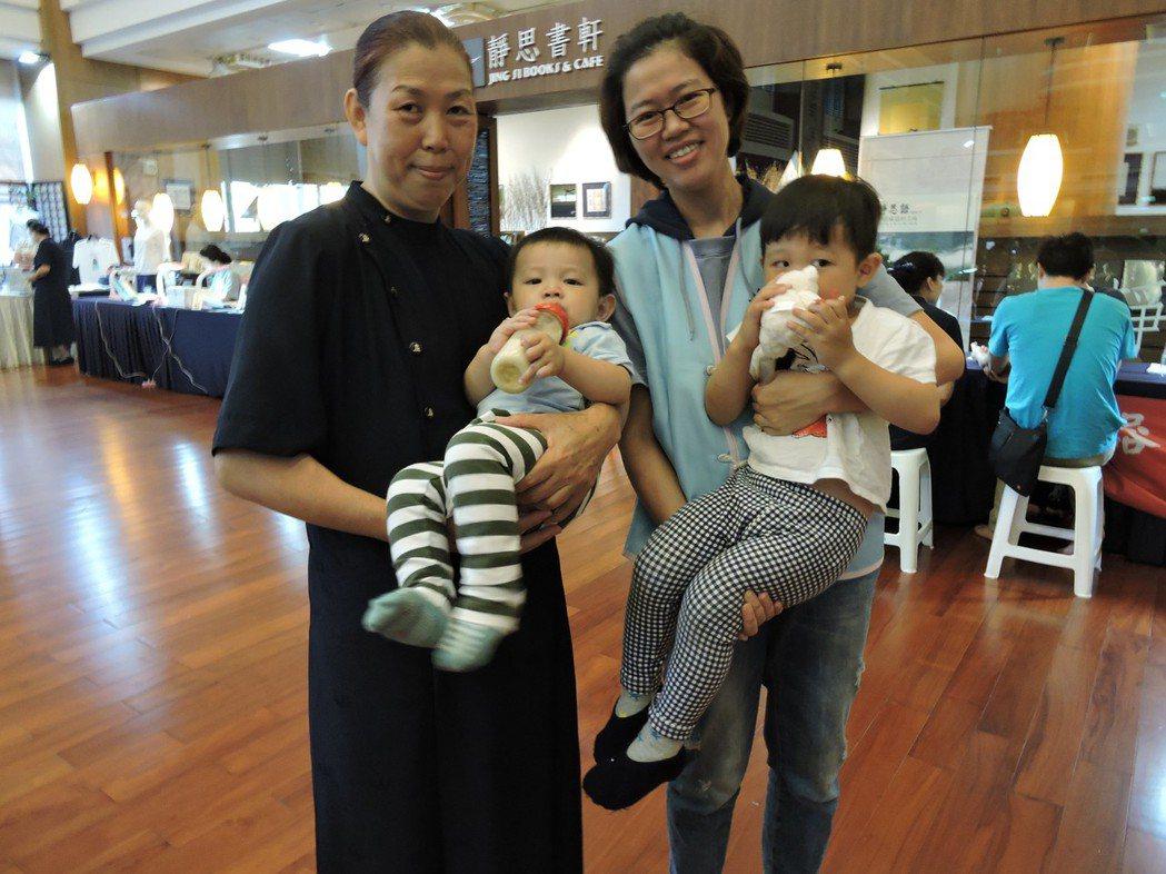 已是2個孩子的媽的吳伊伶在大一時透過慈濟基金會活動完成骨髓造血幹細胞驗血建檔,並...