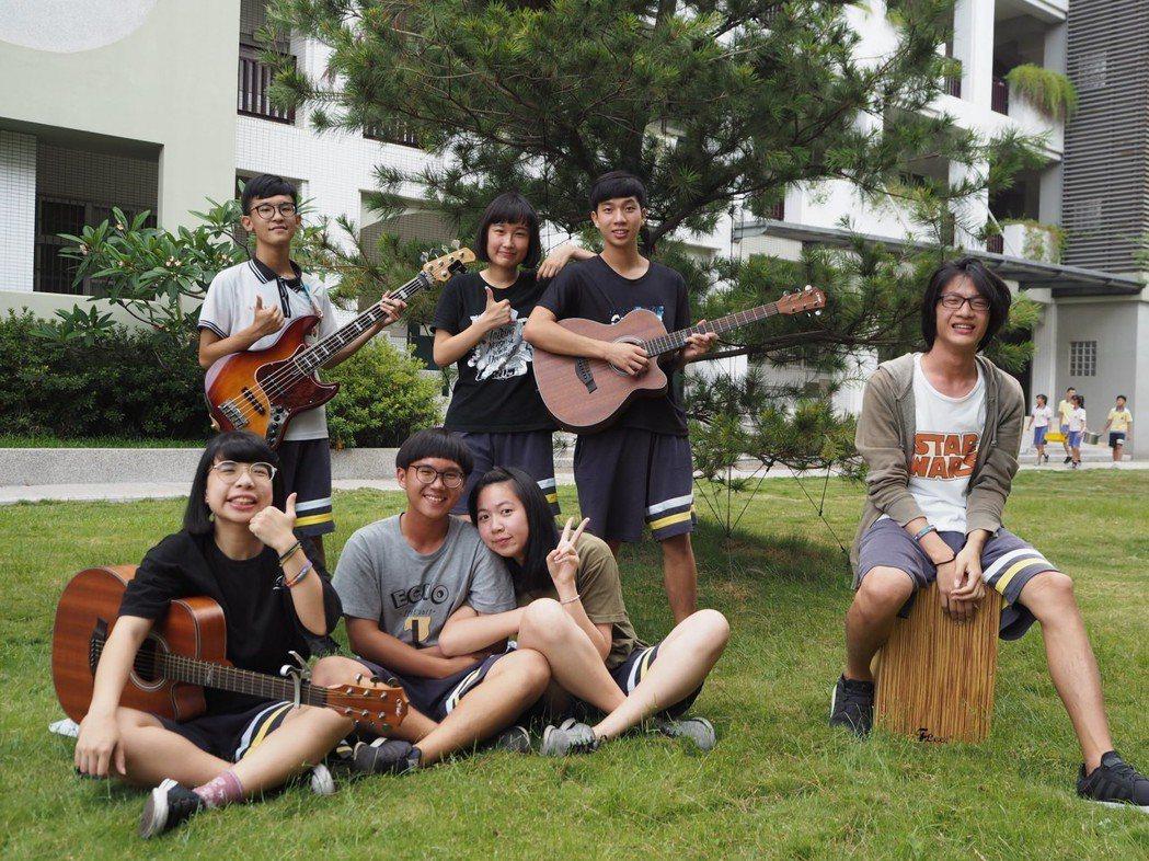 忠明高中「鄰座的你啊」畢業歌在youtube上架10天,超過6萬人次點閱,導演陳...