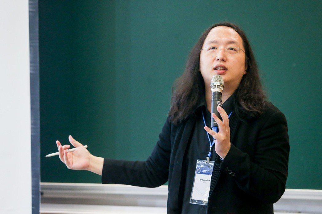 行政院政委唐鳳以「公共參與」為題,發表短講。記者鄭清元/攝影