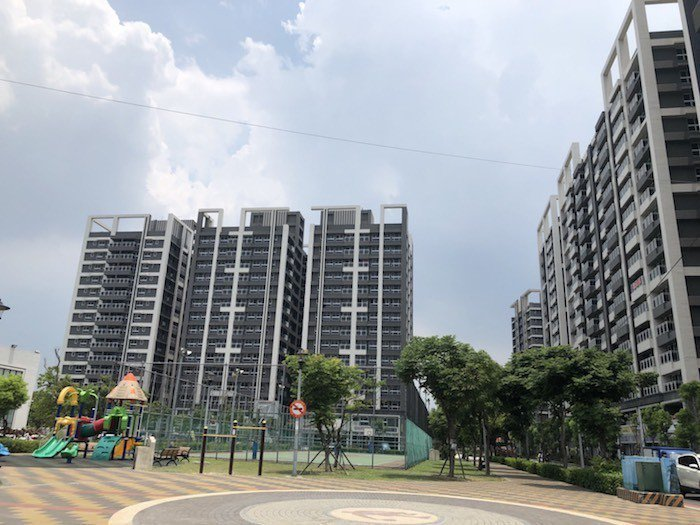 超級城市社區內,貼心規劃有籃球場、兒童遊戲區等設備,住家與公園融合為一體,讓身心...
