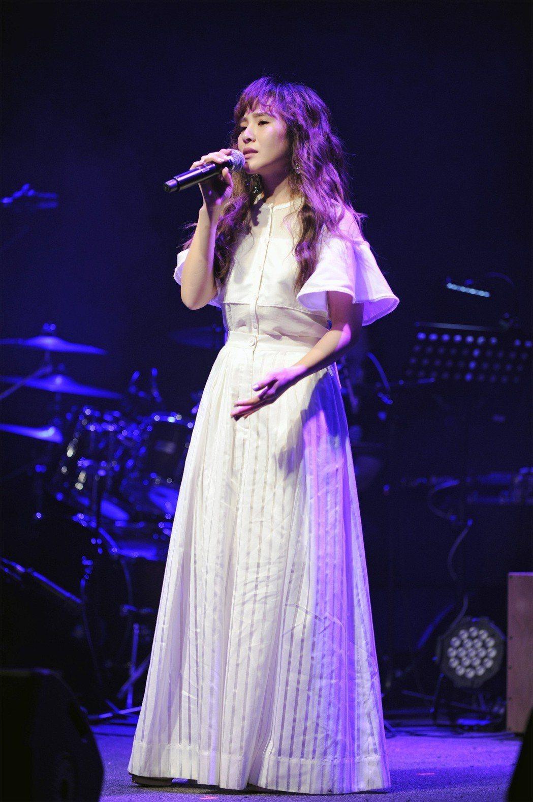梁文音2日舉辦小型演唱會,蕭煌奇擔任嘉賓。圖/環球音樂提供