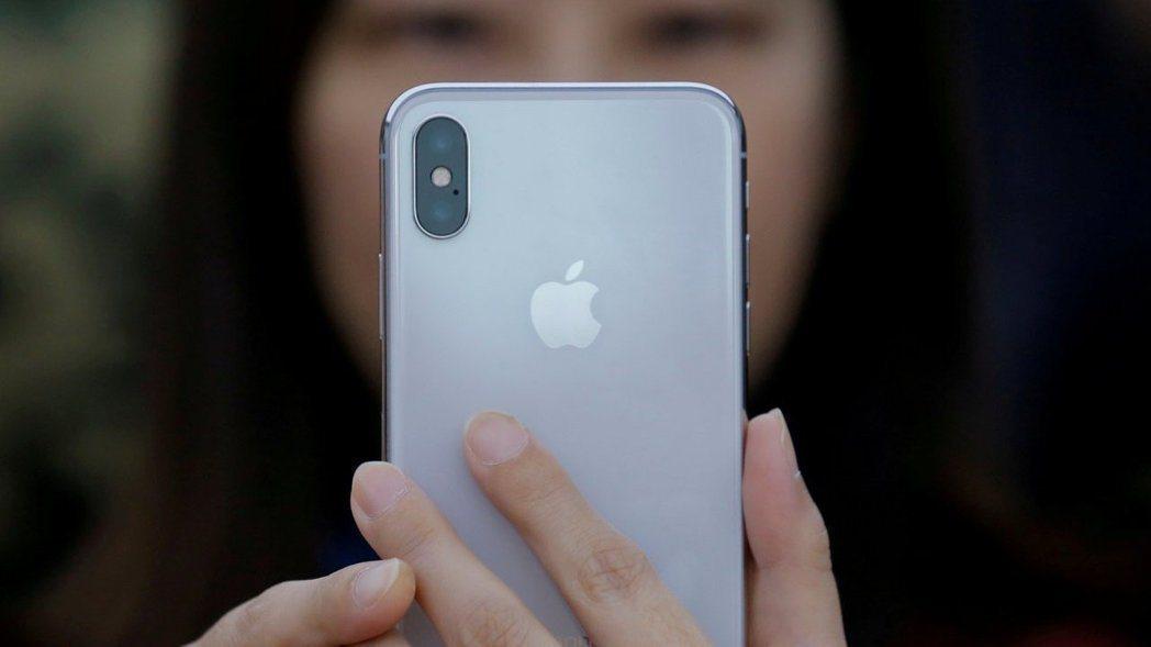 中科院研發的MDM手機管制程式,不敵蘋果iPhone 手機iOS系統,迫使陸軍下...