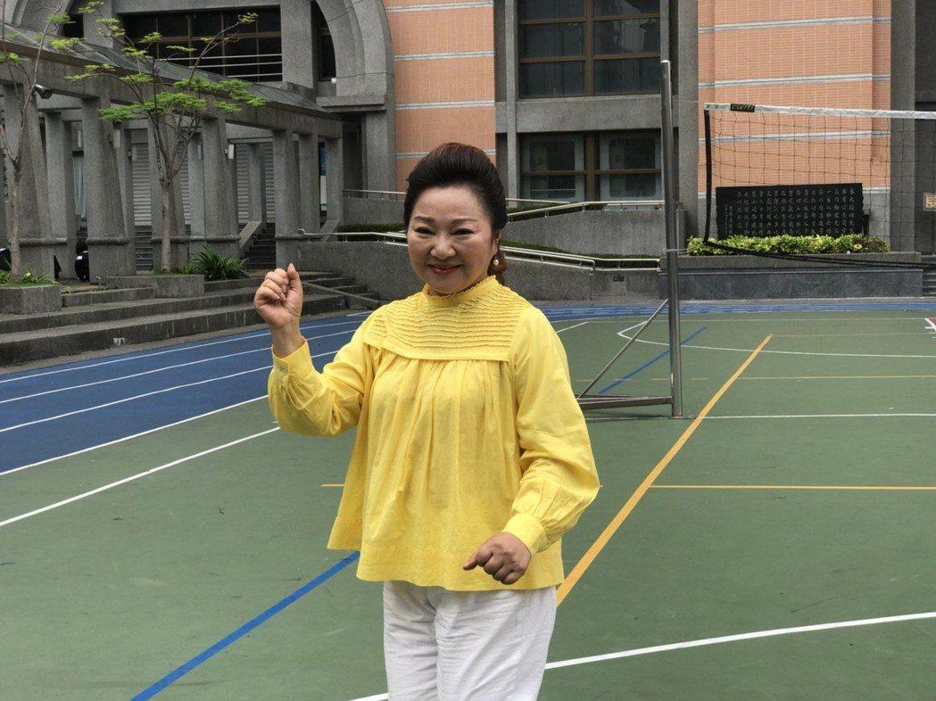 白冰冰客串微電影「我們的故事」飾演高中輔導老師。記者陳慧貞/攝影