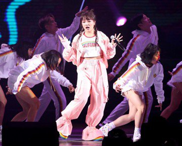 2018hito流行音樂獎在台北小巨蛋舉行頒獎典禮,安那獲頒聲猛唱跳女生。