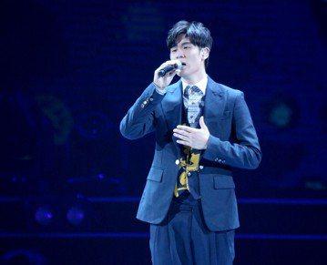 2018hito流行音樂獎在台北小巨蛋舉行頒獎典禮,周興哲獲頒friday音樂數位大獎。