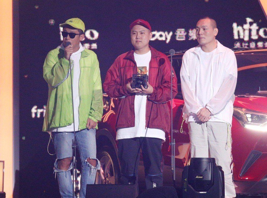 2018hito流行音樂獎在台北小巨蛋舉行頒獎典禮,玖壹壹獲頒最具舞台風格藝人。...