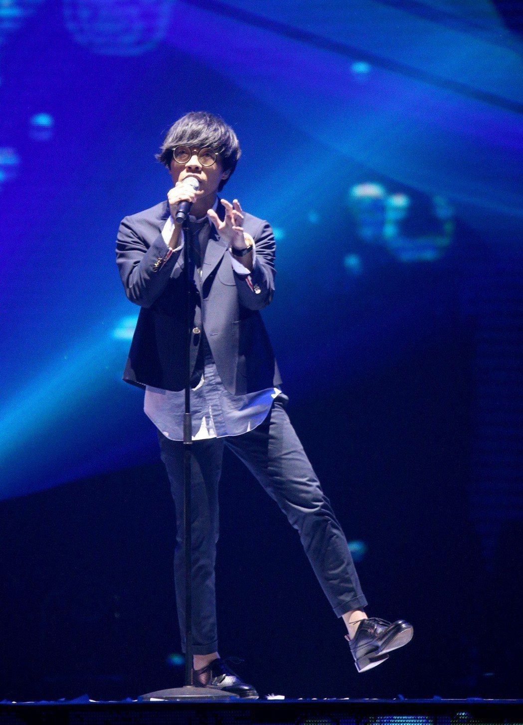 盧廣仲演唱「魚仔」。記者林伯東/攝影