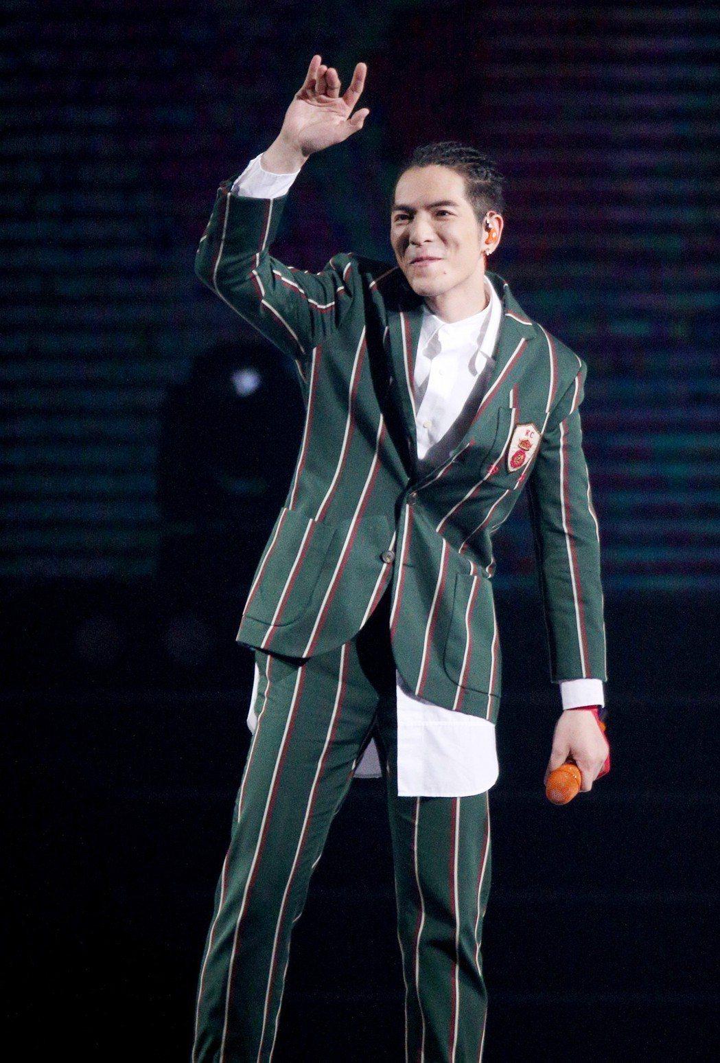 蕭敬騰3日在hito流行音樂頒獎典禮演出。記者林伯東/攝影