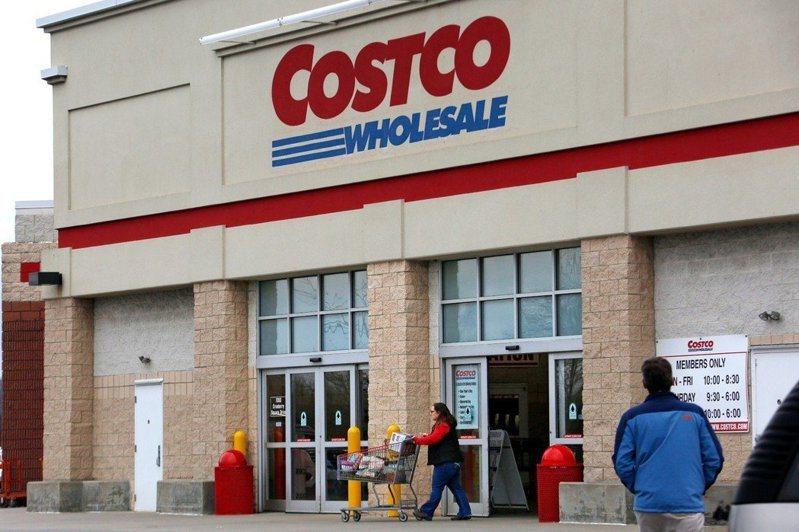 知名美式賣場好市多(Costco)除了利用低廉價格吸引顧客外,還運用了4個小秘訣,讓客人逛街的同時不自覺越買越多。圖片來源/美聯社