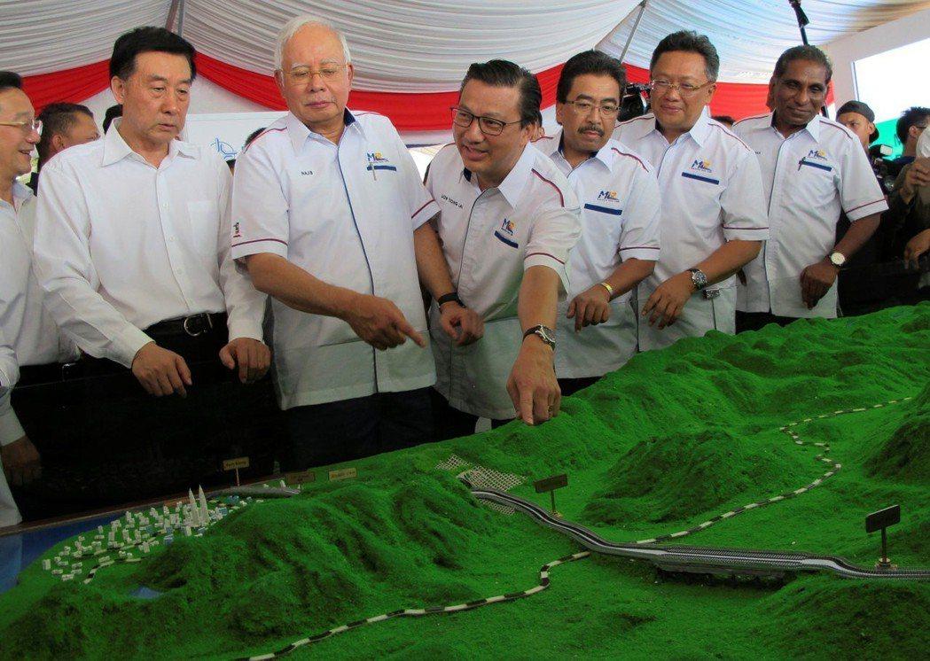 除了隆新高鐵,新政府也在審視納吉時期與中國合作的東海岸鐵路(ECRL)計畫。圖為...