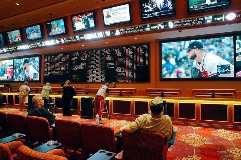 過去美國可以合法下注運動比賽的地方只有拉斯維加斯的賭場,現在這個局面即將改變,全...