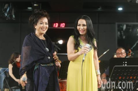 齊豫和潘越雲將於本周六於小巨蛋舉行回聲演唱會,今天二人舉行總彩排,合唱了一首經典的夢田。