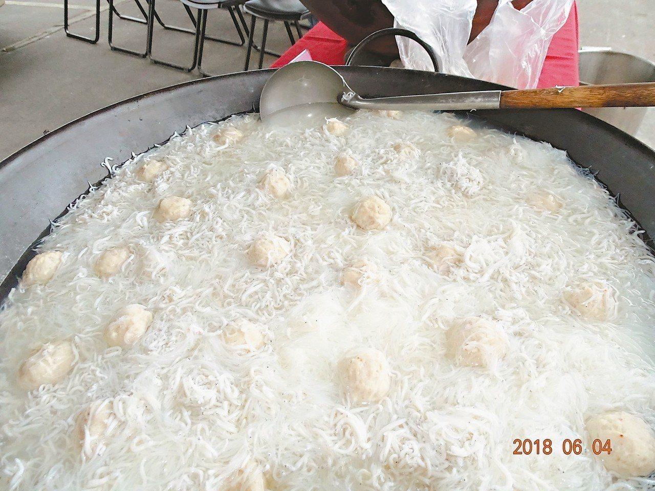 「吻仔魚湯米粉」湯頭好,是很多人的最愛。 圖/蘇澳鎮公所提供