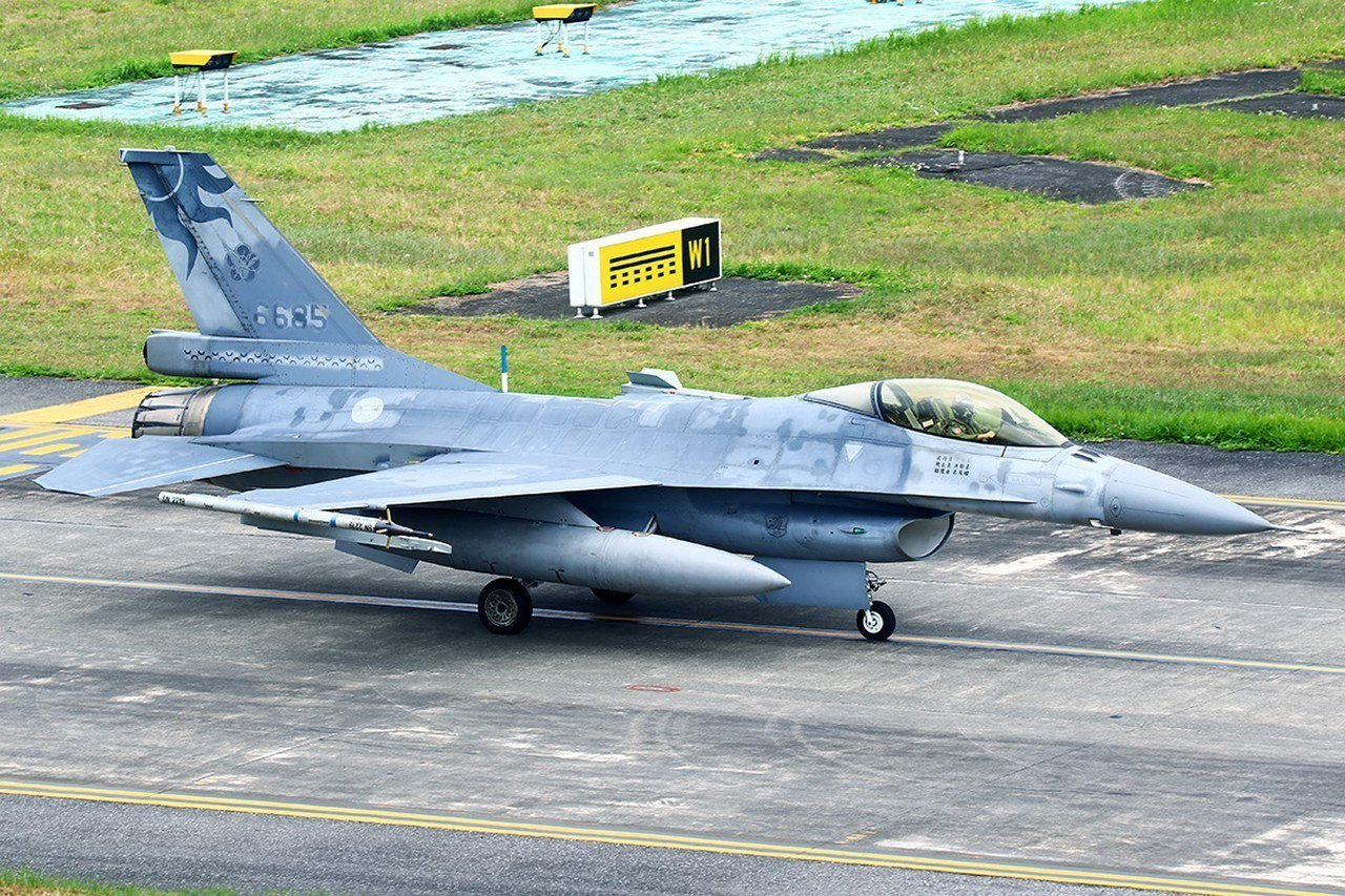 失事F-16戰機起飛前身影(民眾提供)。 中央社