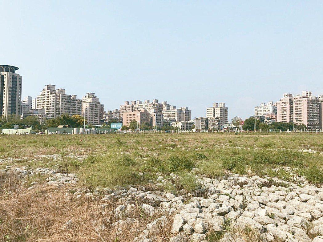 今年第1季全國土地總成交金額年減33%。 記者游智文/攝影