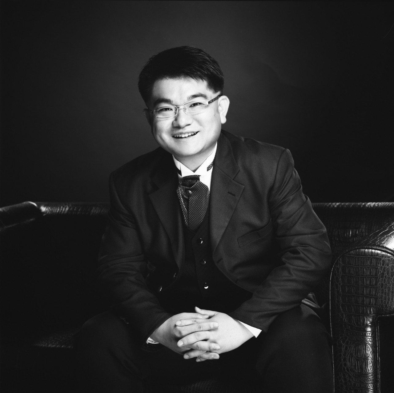 楊謙柔博士。