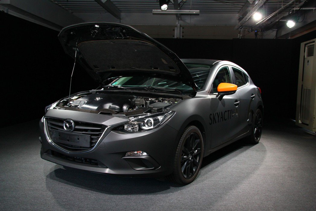 Mazda新世代技術包含兩大重點,一為Skyactiv-X汽油引擎,其二是Skyactiv-Vehicle Architecture車輛結構技術。 記者張振群/攝影
