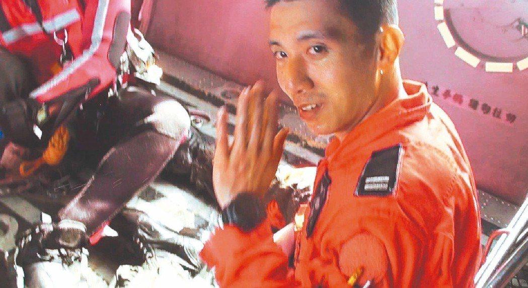 飛官吳彥霆參加漢光34號演習,駕駛F-16戰機不幸撞山罹難。 圖/聯合報系資料照...