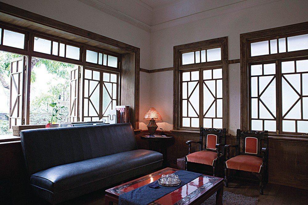 青田街老房多為過往教授們自己找建築師蓋的,因此雖乍看都是日式,每一棟卻不同。圖為...