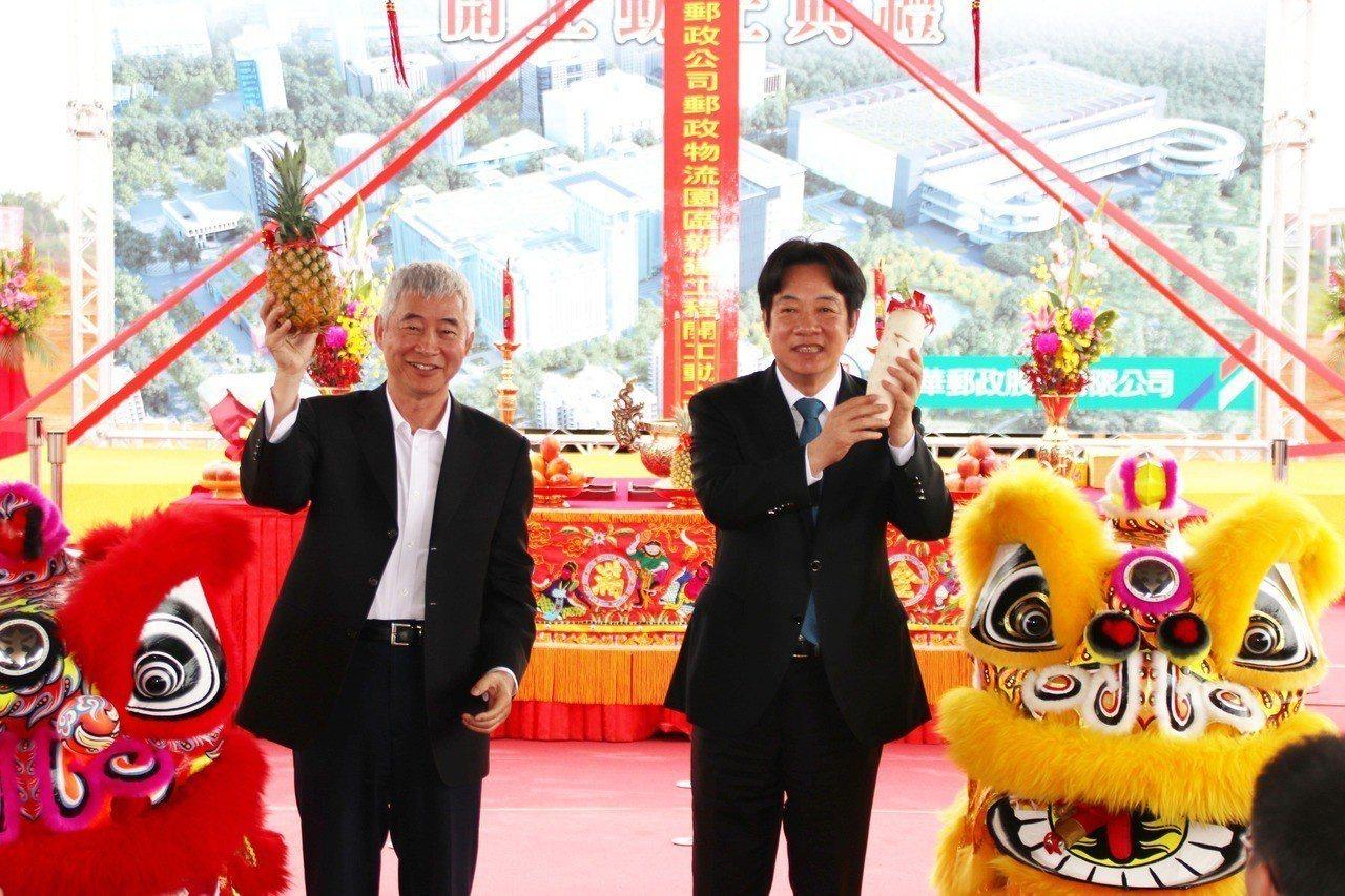 賴清德(右)、賀陳旦(左)。記者曾健祐/攝影