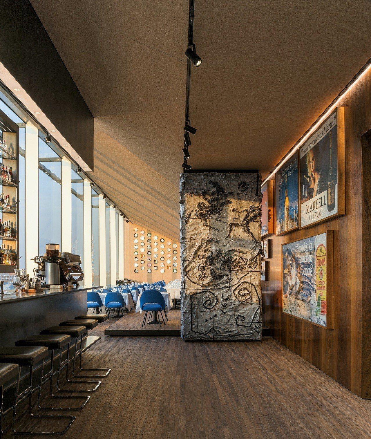 PRADA米蘭藝術基金會新大樓六、七樓的Torre餐廳,在今年五月正式對外開放。...