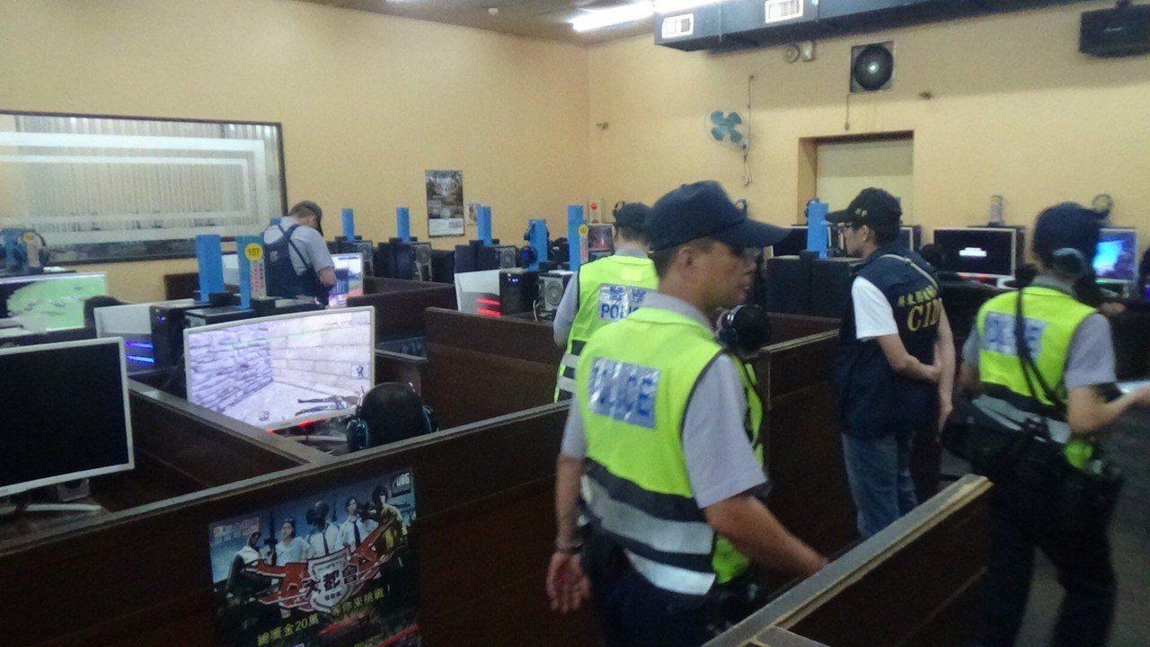屏東警方展開「青春威力強力掃蕩」。記者翁禎霞/翻攝