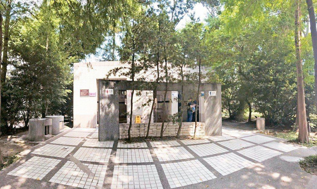 大安森林公園2座智慧公廁 異味超標…通知清掃