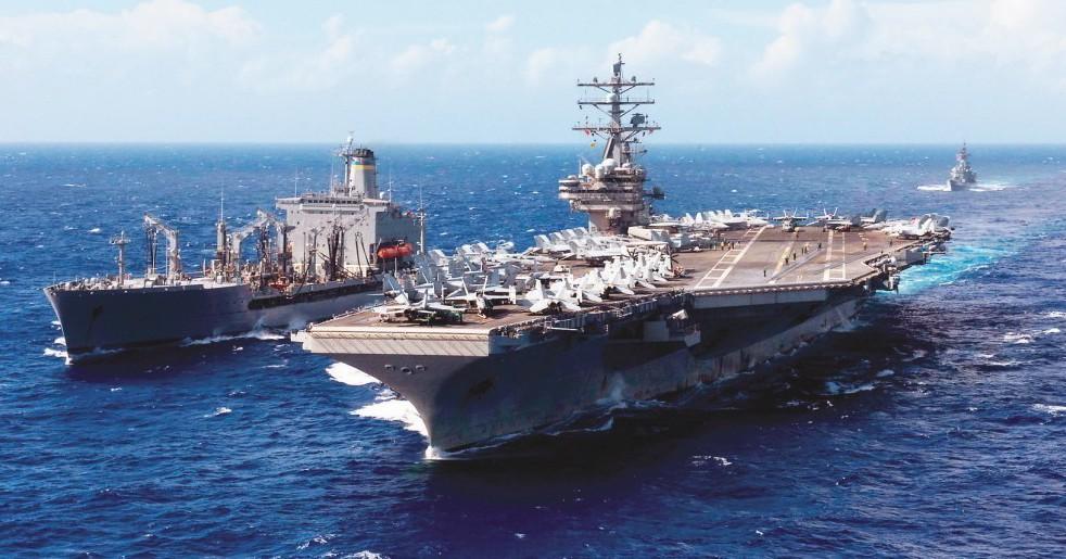 路透報導,美方正考慮派遣軍艦通過台灣海峽。圖為雷根號檔案照片。 路透
