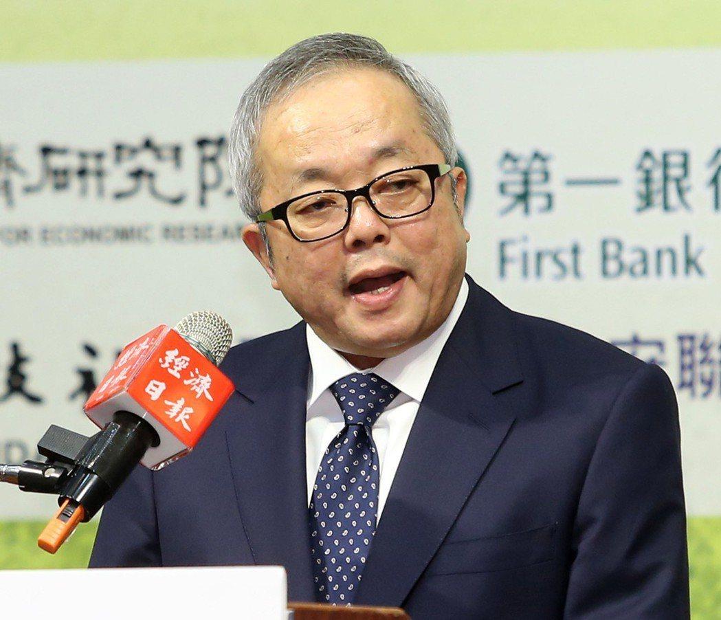 行政院副院長施俊吉