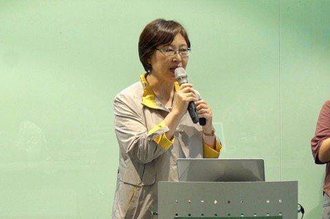 南韓友善環境免費供餐草根國民連線常任代表朴仁淑(左)。 記者邱繼亮/攝影
